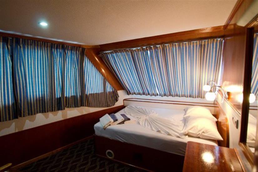 Main deck Deluxe cabin - MV Ari Queen