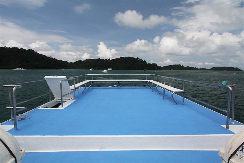 Sun deck - Manta Queen 7 Thailand