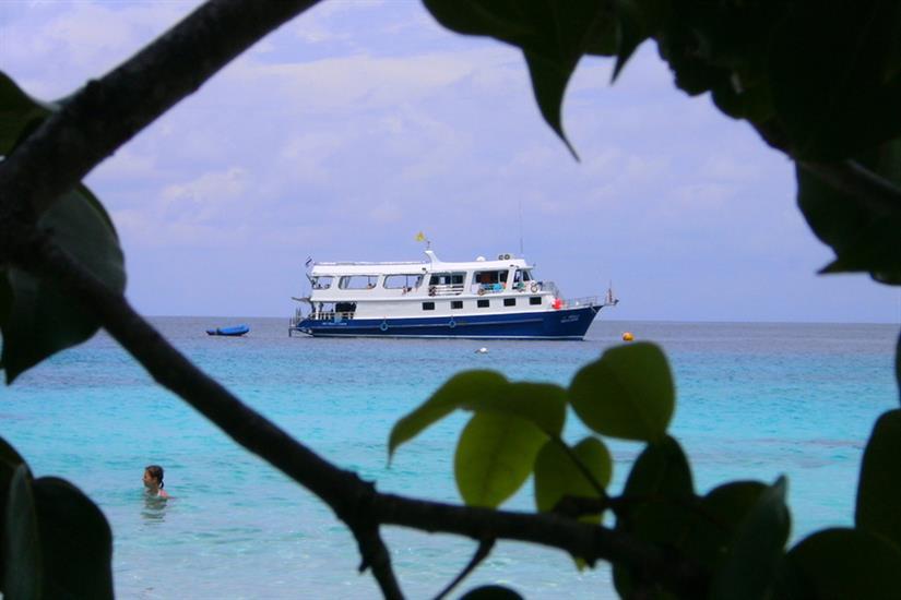 Manta Queen 1 in the Similan Islands