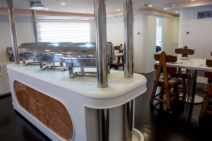 Indoor dining area - M/Y Lucy