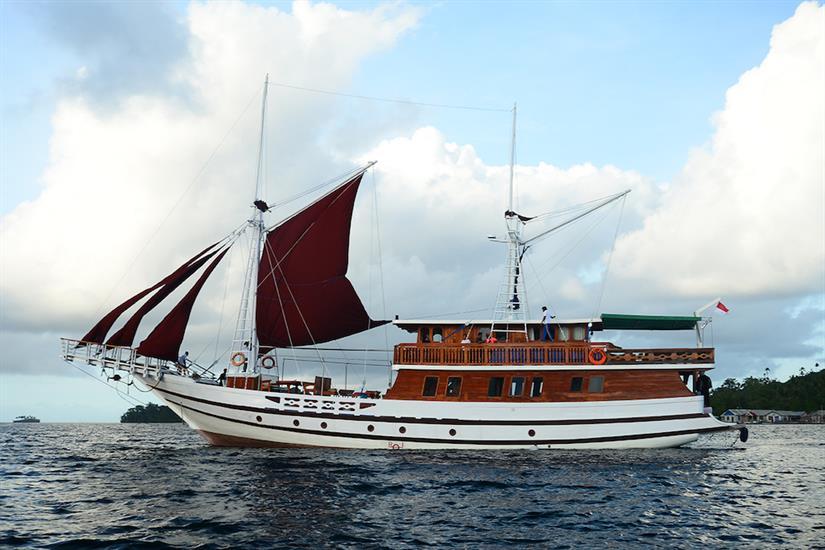 Lady Denok Liveaboard Indonesia