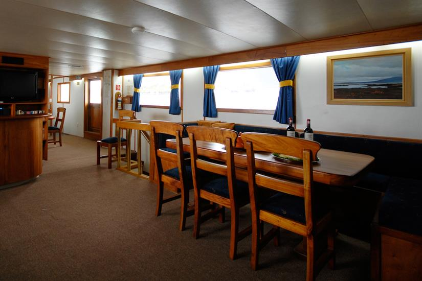 Dining and living area - Beluga Galapagos