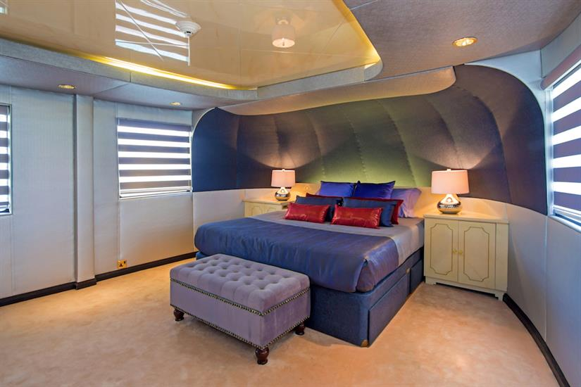Luxurious Master Suite - MY Passion Galapagos