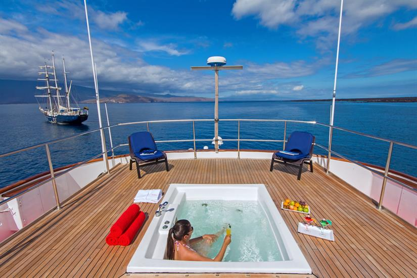 Hot tub on the sun deck - MY Passion Galapagos