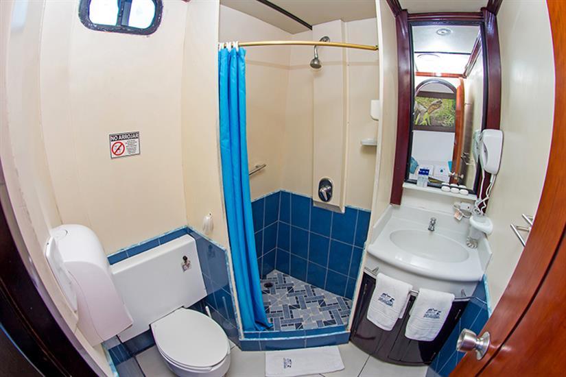 En-suite bathrooms - Archipell I Galapagos
