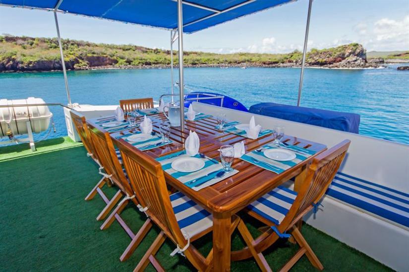 Al fresco dining aboard Archipell II Galapagos