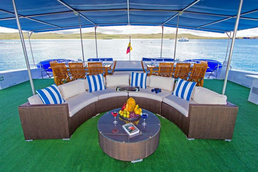 Outdoor lounge area - Archipell II Galapagos