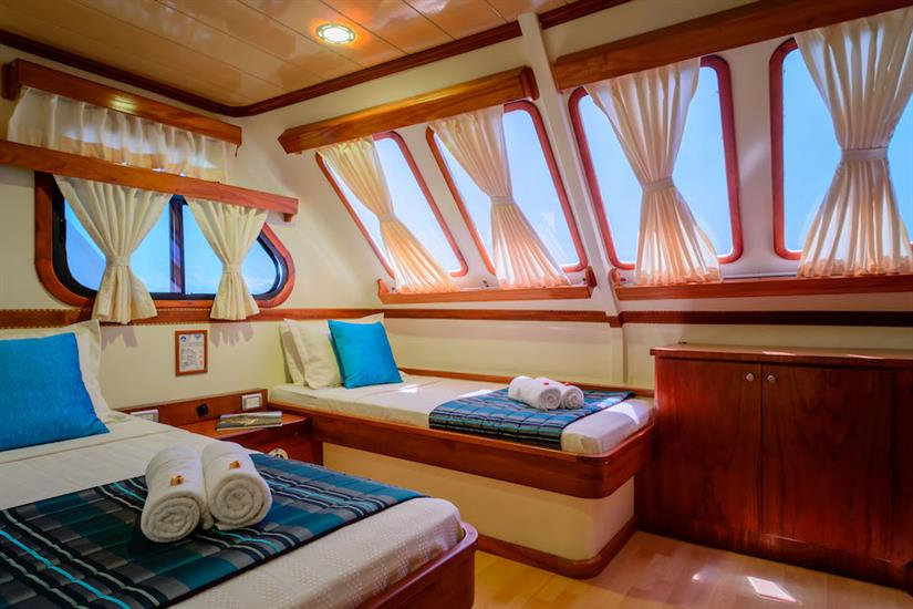 Twin Cabin with Ocean Views - Galapagos Seaman Journey