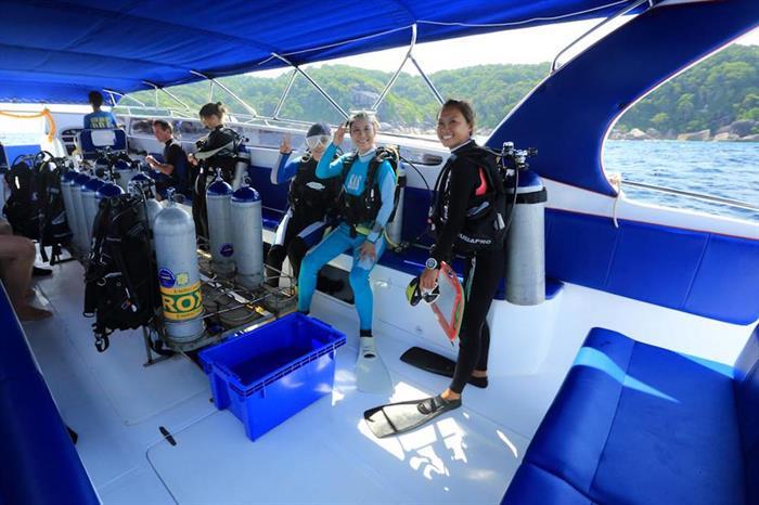 Dive Deck - MV Hallelujah Thailand