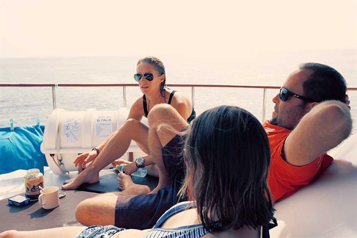 Relaxing - MV Hallelujah Thailand
