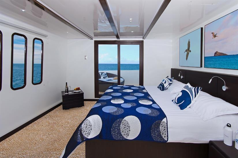 Suite 3 with private balcony - Natural Paradise Yacht Galapagos