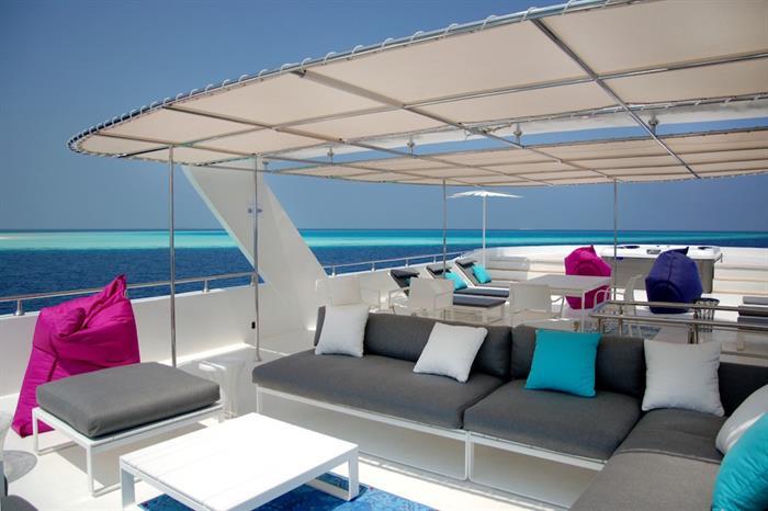 Outdoor lounge area - Azalea Maldives