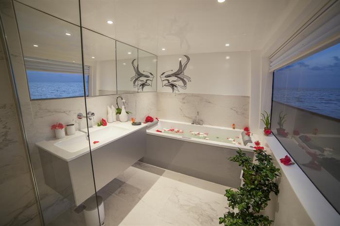 Master Suite Bathroom - Azalea Liveaboard Maldives