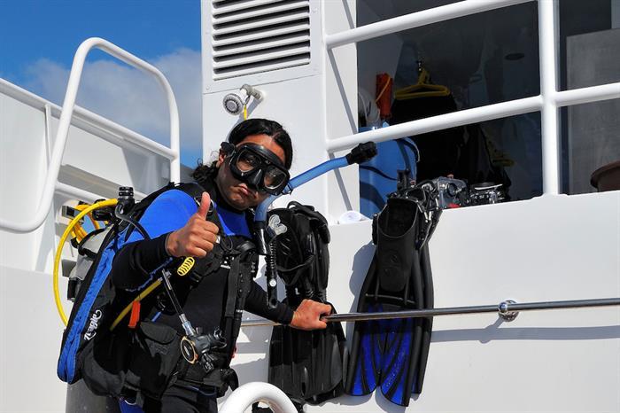 Dive Deck - Roatan Aggressor