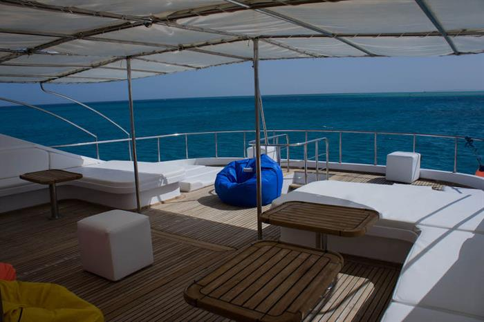 Blue Pearl Liveaboard - Upper deck for relaxing