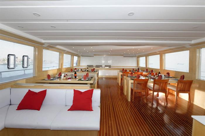 Dining Room - Blue Pearl Live Aboard