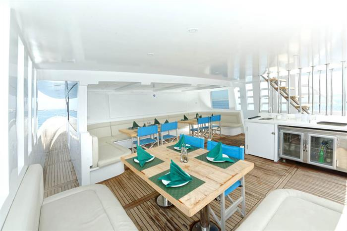 Jantar externo - Blue Pearl Live Aboard