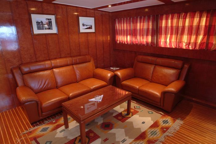 Relax in the comfortable salon - Blue Seas Liveaboard