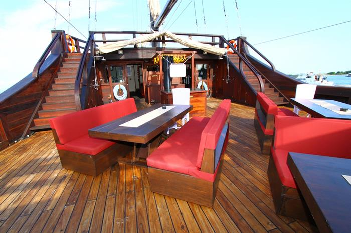 MSY Waow Liveaboard Main Deck