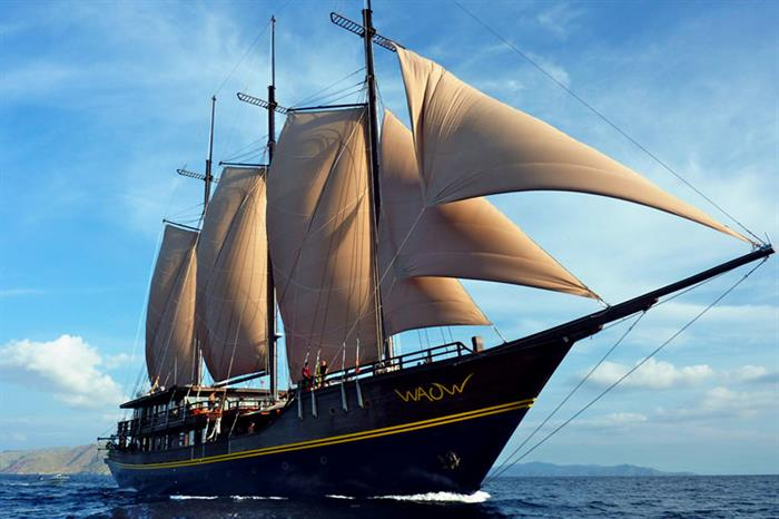 WAOW liveaboard lost to fire