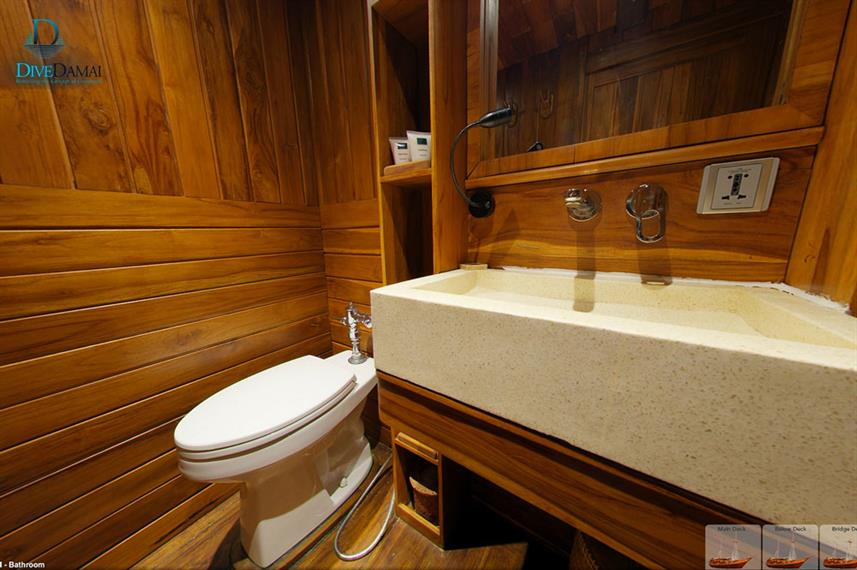 En-Suite bathrooms - Damai I