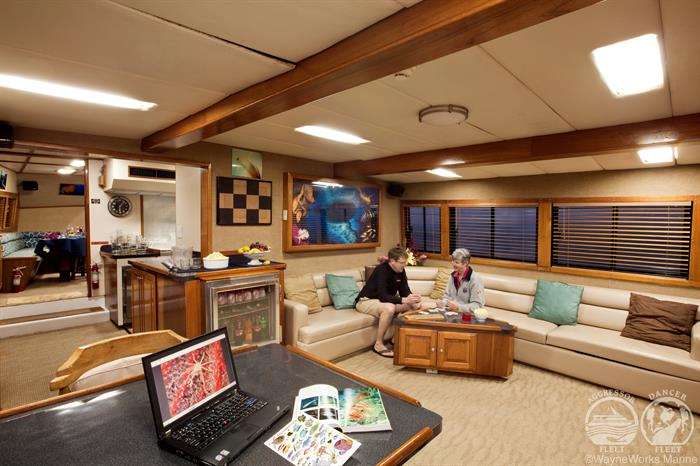 Salon interior Belize Aggressor III Liveaboard