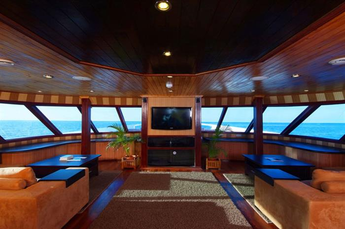 Indoor Saloon - Leo Liveaboard Maldives
