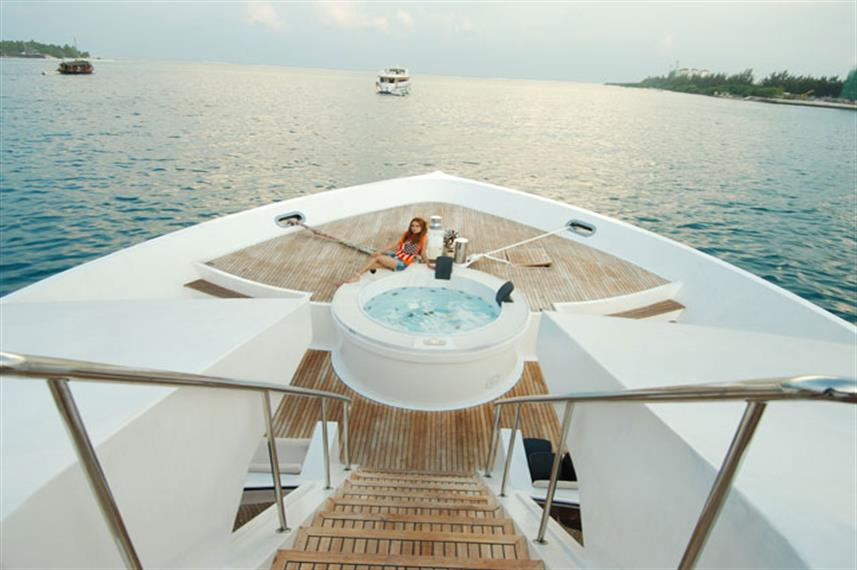 Hot Tub aboard the MV Leo Liveaboard Maldives
