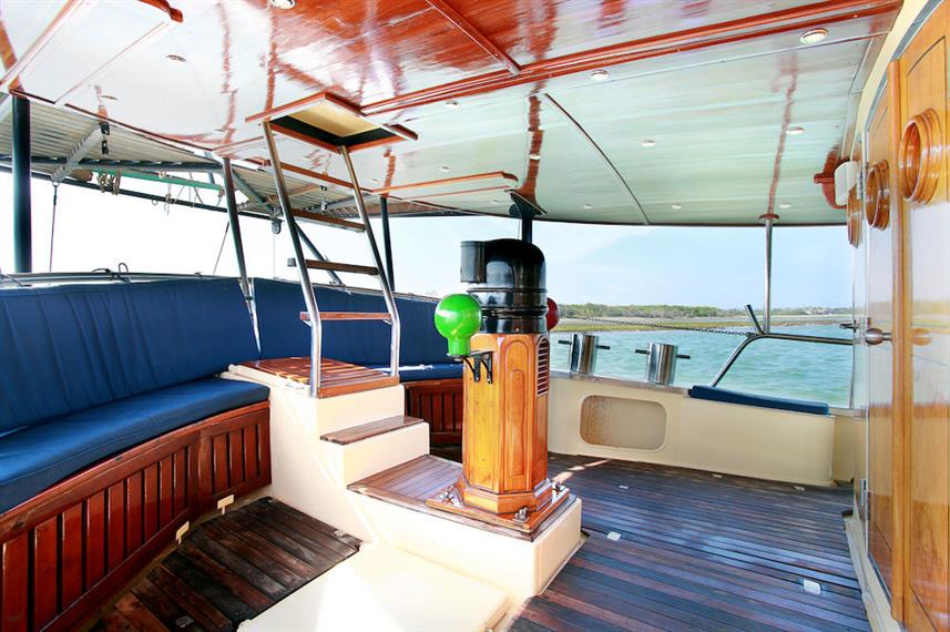 Outside deck area - Adelaar Liveaboard