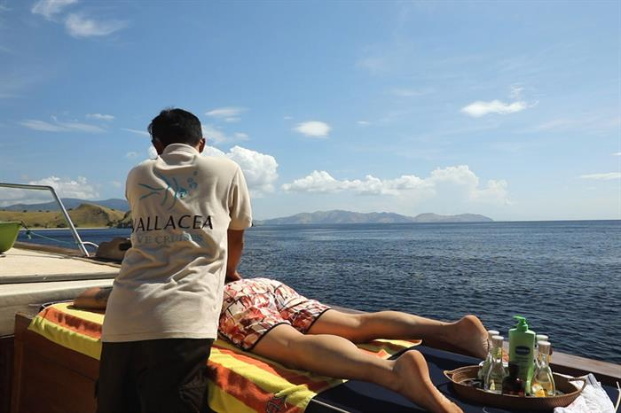 Massage - Ambai Liveaboard