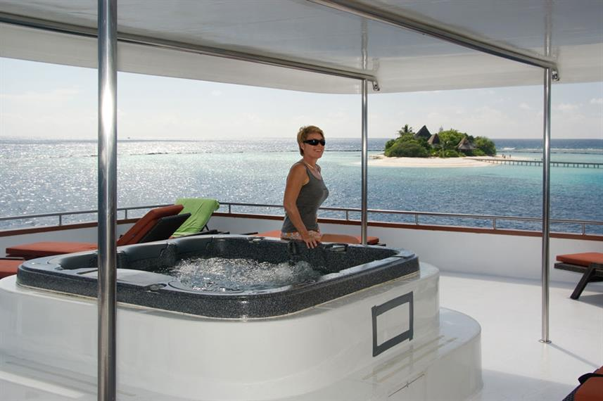 Jacuzzi in Sundeck Area - Carpe Vita