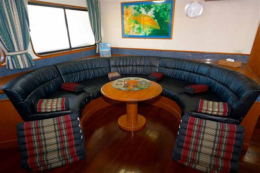 Indoor Salon - Mermaid I Liveaboard