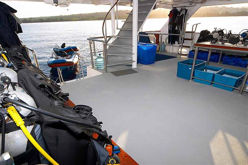 Mermaid I Liveaboard Dive Deck