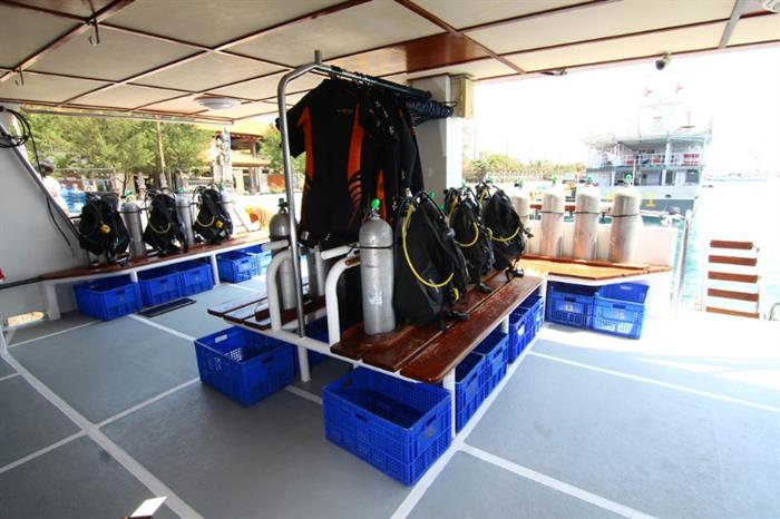 Dive Deck - Mermaid II Liveaboard