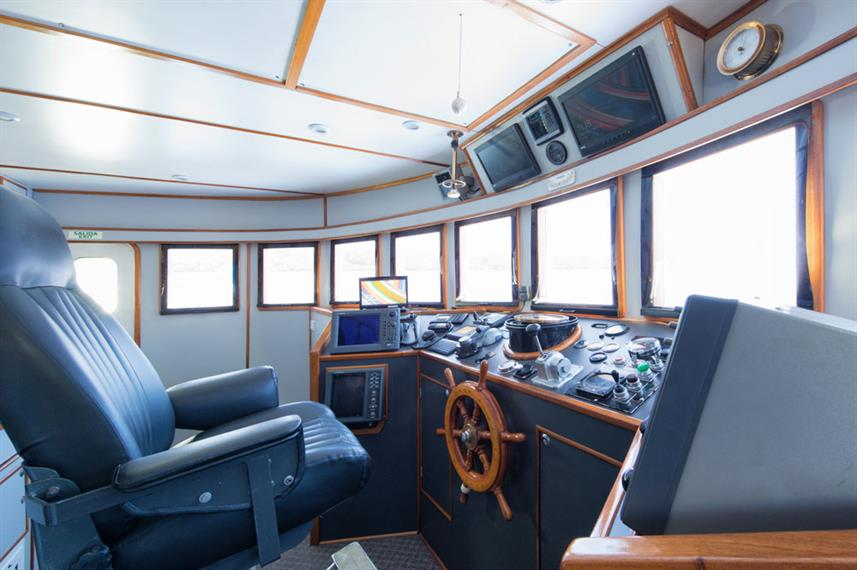 Captains Helm - Argo Live Aboard