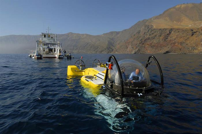 Argo Liveaboard and DeepSee Submersible