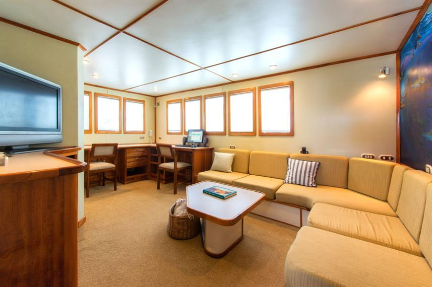 Indoor salon - Argo Liveaboard