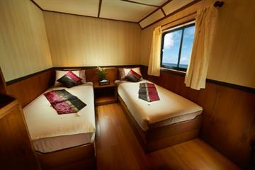 En-Suite Twin Cabin
