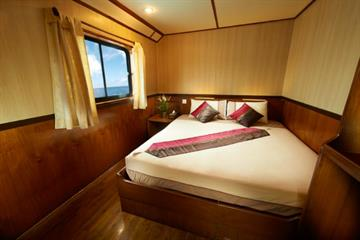 En-Suite Double Cabin