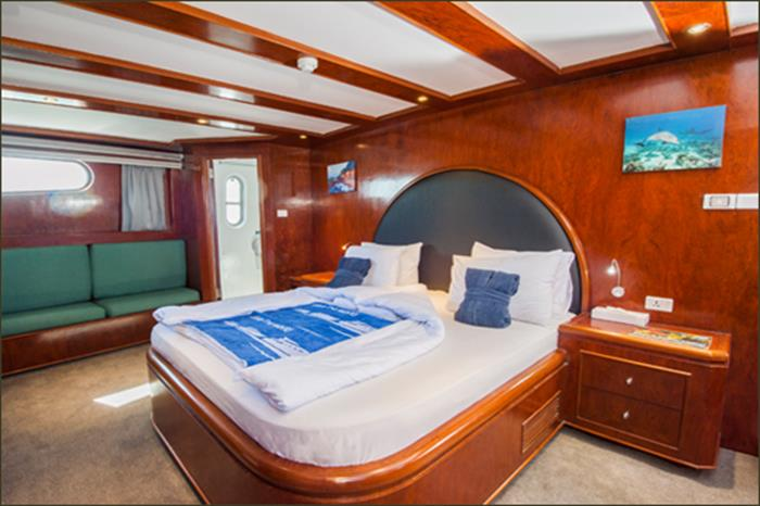 King suite (Main Deck) - Blue Fin Liveaboard