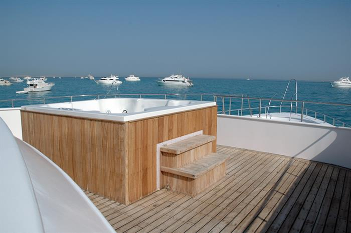 Jacuzzi/Hot Tub onboard Blue Horizon Liveaboard