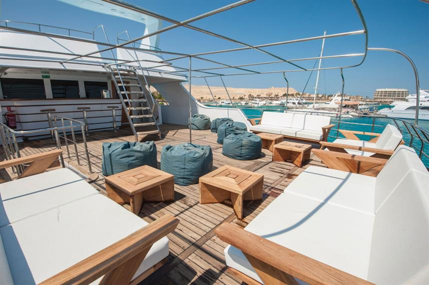 Outdoor Lounge - Blue Melody Live Aboard