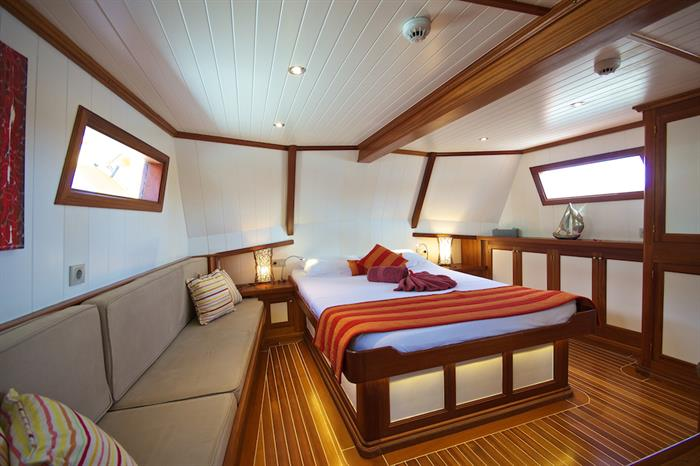 Spacious Master suite cabin - Galatea Liveaboard