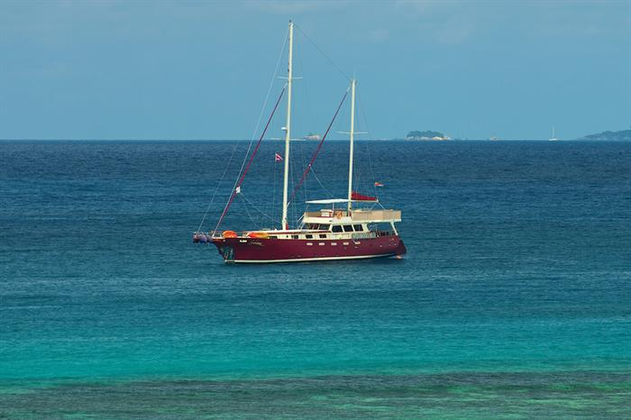 Beautiful waters of the Seychelles - Galatea Liveaboard