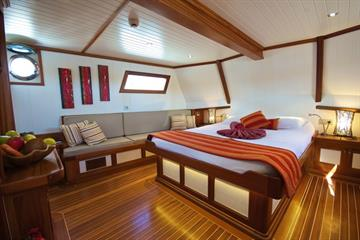Galatea Master Cabin North Island