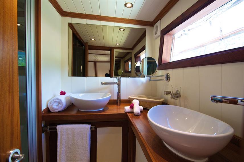 #bathroom - Galatea Liveaboard