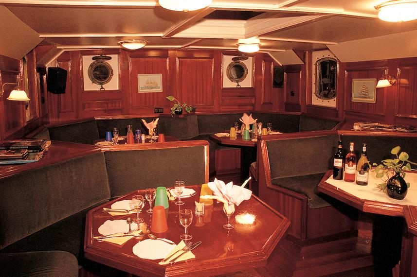 Dining area - Sea Pearl Liveaboard