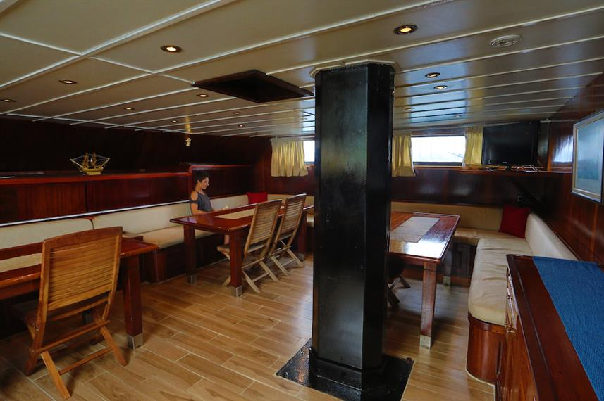 Restaurant - Sea Star Liveaboard