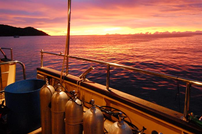 Spectacular sunsets in the Seychelles - Sea Bird Liveaboard