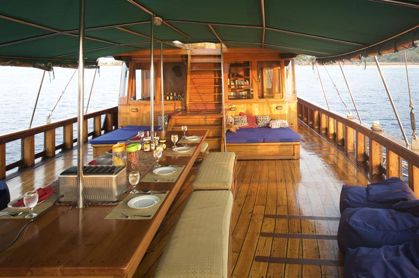 Buitenrestaurant - Tiger Blue Liveaboard